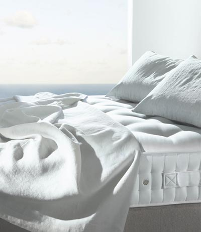 Vispring mattress with dreamy ocean view